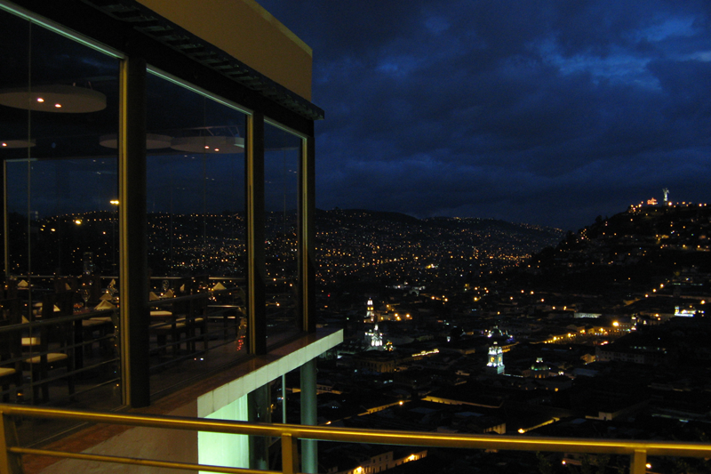 Vista exterior nocturna | Restaurante El Ventanal